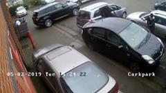 気をつけろ!白昼堂々プリウスの触媒を盗む窃盗団の犯行動画
