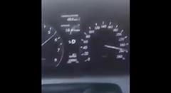260km/hで爆走していたレクサス LS460がうっかりクラッシュ!