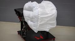 ホンダが開発中の新型エアバッグ スローモーション動画