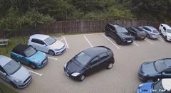 バック駐車が苦手なドライバー こんなに広くても駐車できない