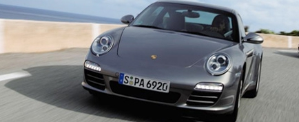 Porschemonitor201006