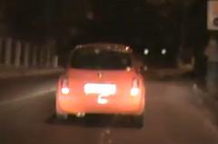 警察から逃げる日産 マーチが事故って捕まっちゃう動画