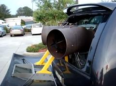荷台にジェットエンジンを積んじゃったバンの動画
