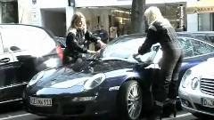 ポルシェオーナーに強引に宣伝しちゃう日産 GT-Rのプロモーション動画