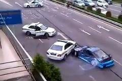 日産180SXのドリ車が高速道路でパトカー相手に大暴れしちゃう動画