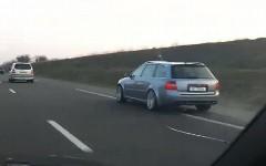 アウディ S4 と RS6 が高速道路で暴走しちゃう動画