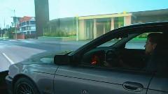 これは面白い!本物の車を使ったドライビングシミュレーターの動画