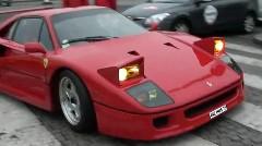 滅多に見れない フェラーリ F40 のライトがオープンしている動画