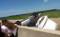 目の前でスバル インプレッサが横転事故を起こしちゃう動画
