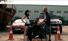 フォード フィエスタがハマーをディスっちゃう動画