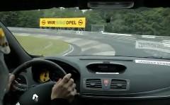 ルノー メガーヌ RS 265 トロフィーの FWD ニュル最速オンボード動画