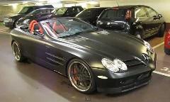 ブラバス マクラーレン SLR ロードスター が地下駐車場で150km/h出しちゃう動画