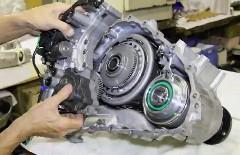 日産 GT-R のミッションを分解しちゃう動画
