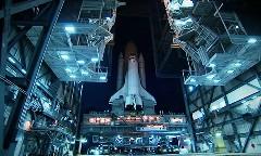 最後のスペースシャトルに敬意を表したアプリリア RSV4 の超かっこいい動画