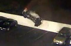 日産 フェアレディ Z が一回転して駐車場に着地しちゃう動画