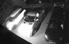 これはひどい!リアスポイラーを強引に奪っていく車両荒らしの動画