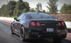1300馬力の日産 GT-R がゼロヨン 9.05秒 を出しちゃう動画