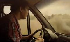 怪しい中古車屋には気をつけろ!っていうメルセデス・ベンツの面白CM動画