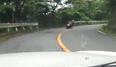 ホンダ S2000 vs BMW F800S ワインディングを攻めちゃう動画