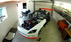 ホンダ S2000 のレーシングカーを作っている所を早送りで見せてくれる動画
