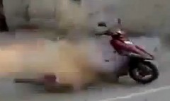 スクーターを爆発させてぶっ壊しちゃう動画