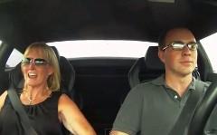 1250馬力のランボルギーニ ガヤルドにママを乗せてみた動画