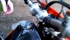 この手があったか!タンクキャップから燃料漏れが見つかった時の対処法動画