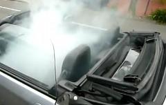 ホンダ ビートの車内から煙がもくもく出ちゃう斬新な盗難防止装置の動画