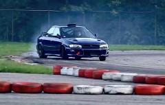 すげー!BMW M5 のV10エンジンを積んだスバル インプレッサ STI がドリフトしちゃう動画