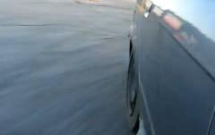 ドリフト中にタイヤがバーストしちゃう瞬間の動画
