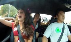 1000馬力のトヨタ スープラにお姉ちゃん2人を乗せてみた動画