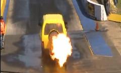 ジェットエンジンを積んだのにいまいち速くないバンの動画