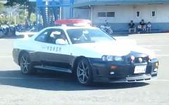 うほ!日産 R34 スカイライン GT-R のパトカーの動画