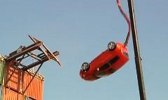 シボレー ソニックの実車でバンジージャンプしちゃう動画