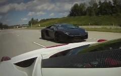 フェラーリ 458 イタリア改 700馬力 vs ランボルギーニ アヴェンタドール 公道加速対決動画