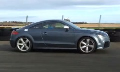 スバル インプレッサ WRX STI vs アウディ TT RS 加速対決動画