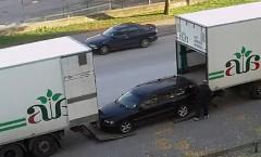 キャリアカーじゃないトラックに車を積み込む方法が分かる動画