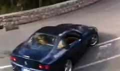 フェラーリ 550 マラネロが公道でドリフトしちゃう動画