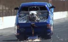 わざとウイリーしちゃうドラッグカーの動画