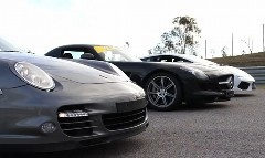 メルセデスベンツ SLS AMG vs ポルシェ 997 ターボS vs ランボルギーニ ガヤルド LP560-4 加速対決動画
