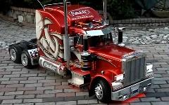 これはリアル!1/4 巨大アメリカントラックのラジコン動画