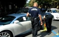 ブガッティ ヴェイロンが駐車違反で車輪止めをつけられてる動画
