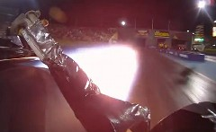 ジェットエンジンを積んだドラッグカーのオンボード動画