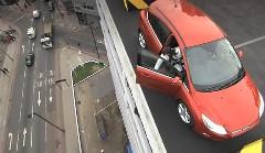 フォードの自動駐車機能をビルの屋上で試しちゃう動画