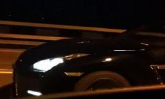 日産 GT-R vs アウディ RS6 公道0-325km/h加速対決動画