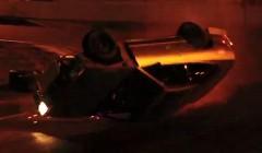 日産 240SX がドリフト中に横転しちゃう動画