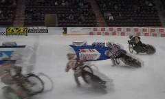 けつ滑りっぱなし!氷上のバイクレースが超カッコイイ!っていう動画