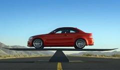BMW の前後重量配分が 50:50 っていうのがよく分かる動画