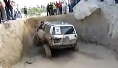 すげー!ものすごい走破能力の4輪駆動車の動画