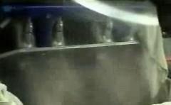 まるでシャワー!3500馬力エンジンの燃料噴射の様子がわかる動画